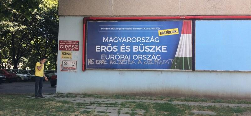 Indul az újabb plakátkampány, most épp 1,7 milliárd forintért