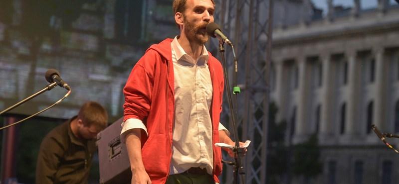 Öt párt beállt Vágó Gábor népszavazása mögé