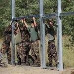 Munkanélkülieket hívnak be, hogy építsék a kerítést a déli határra