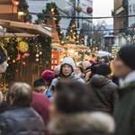 """Vörösmarty téri vásár: kannással hígítják a """"minőségi"""" forralt bort?"""