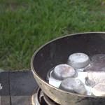 Őrült tudomány: mi történik, ha olvadt alumíniumba töltényt dobnak?