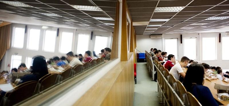 Több ezer diák csúszhat le a felvételiről a magas ponthatárok miatt
