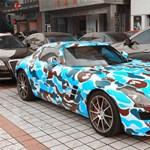 Szezonja van a bizarr festésű luxussportkocsiknak – fotók