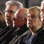 Provokáció: Merkelt teszik felelőssé a berlini halottakért