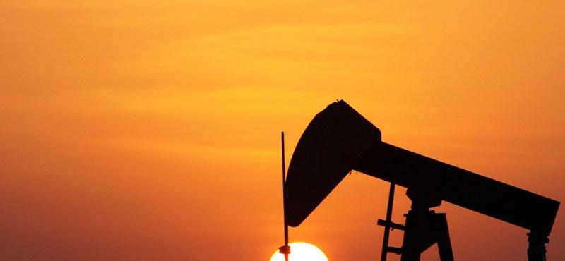 Léptek a kitermelők, gyorsan esni kezdett az olajár