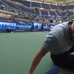 Djokovicot kizárták, mert torkon találta az egyik vonalbírót