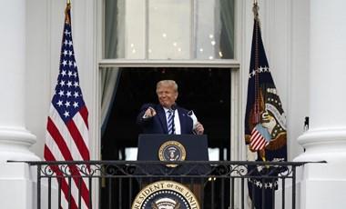 Megjelent a nyilvánosság előtt Donald Trump, és megint kínai vírust emlegetett