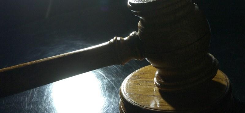 Próbára bocsátották a mankós fiút kirabló fiatalokat Szegeden