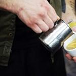 A kávé nem rákkeltő, de a túl forró tea igen