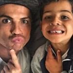 Íme Cristiano Ronaldo, a háromgyerekes családapa – fotó