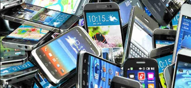 Tíz percet is alig bírnak ki mobiltelefonjuk nélkül a britek