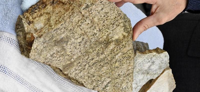 Találtak egy 2 500 000 000 éves követ Japánban