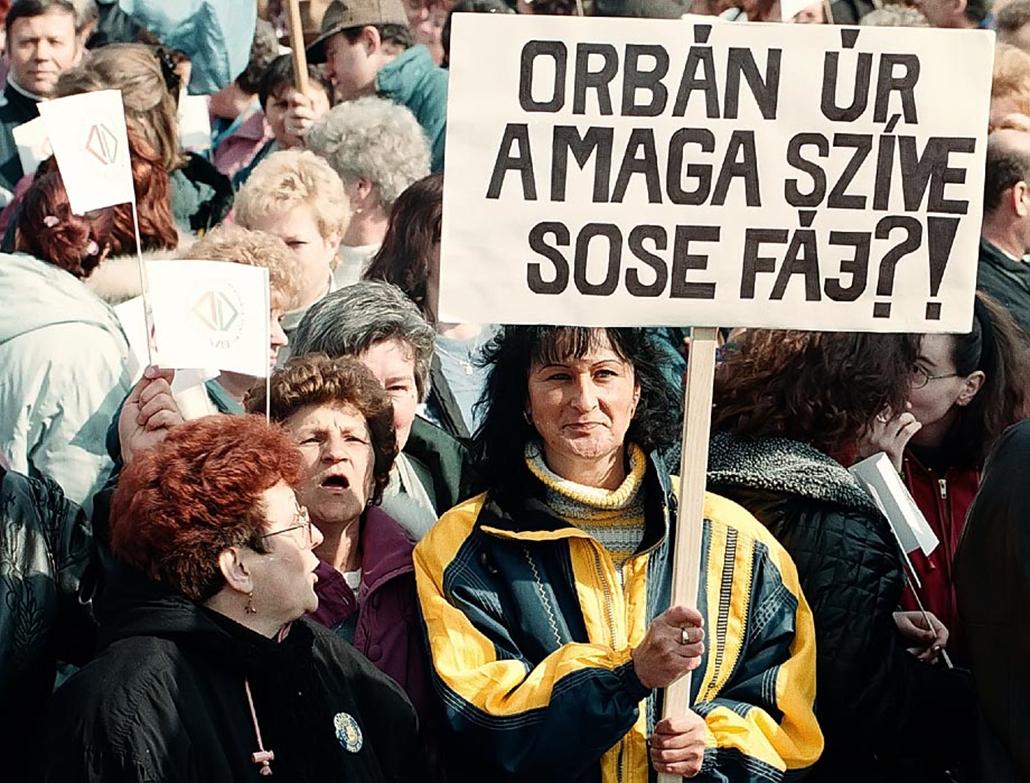 Sztrájkok,tüntetések az elmúlt években- Közalkalmazottak tüntetése 1999
