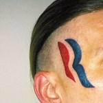 Fotó: Romney-t tetovált az arcára, már nem olyan boldog