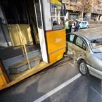 Baleset a Haller utcánál, a 24-es villamos helyett pótlóbuszok járnak – fotó