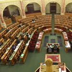 Visszaszállingóznak a képviselők a parlamentbe, indul a tavaszi ülésszak