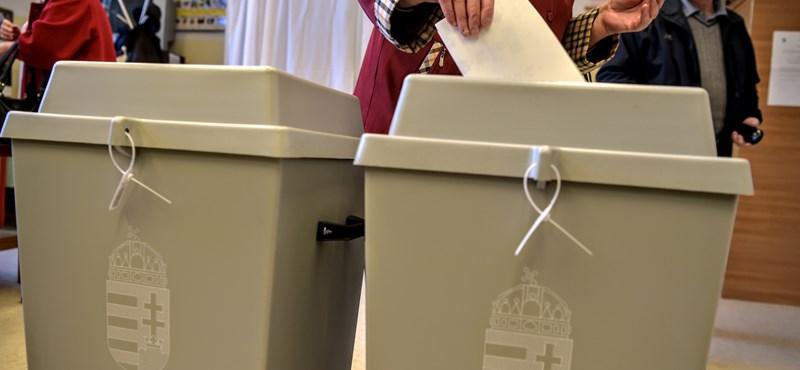 Felfüggesztették a voksolást Rábatamásiban, mert egy választó epilepsziás rohamot kapott