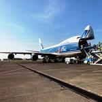 Két különleges orosz gép szállt le Ferihegyen, a rakományuk sem szokásos – fotók
