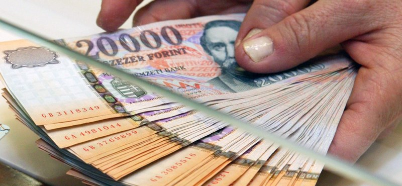 Ön pénznyelő, dorbézoló, vagy olcsójános?