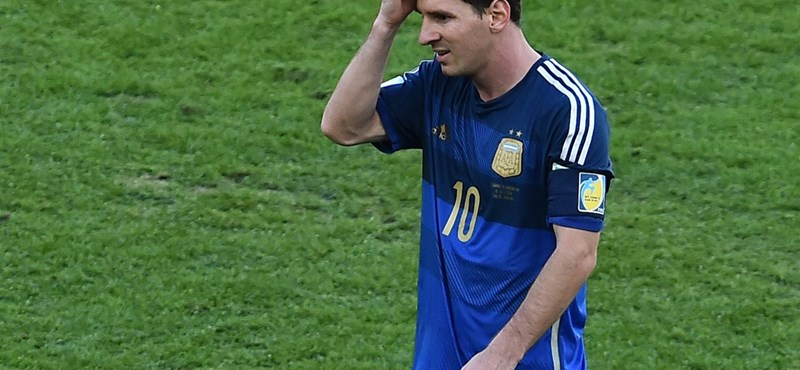 Sírba vihette Messi titkát a fantomcég vonat elé ugró bankára