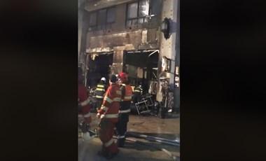 Robbanás, majd tűz volt a pozsonyi karácsonyi vásárban - videó