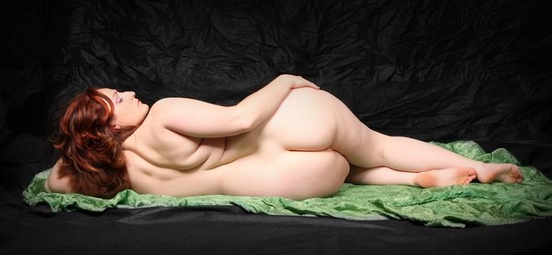 Meddig átlagos és mikortól kövér egy nő? - nagyméretű fotók