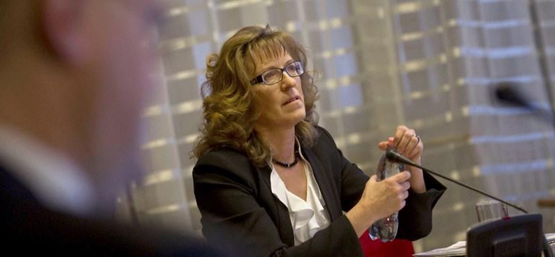 Bíróság mondhatja ki, hogy Handó Tünde visszaél-e hatalmával