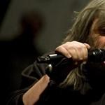 Zenész, színész, költő, és egy kicsit bohóc:  70 éves Hobo