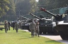 Megkezdte a hadgyakorlatozó erőit kivonását a Krímből Oroszország