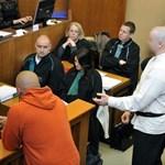 Romagyilkosságok: a harmadrendű vádlott géppisztolyt akart beszerezni