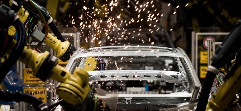 Már attól földbe állt a magyar ipar, hogy nyári szünetet tartottak az autógyárak