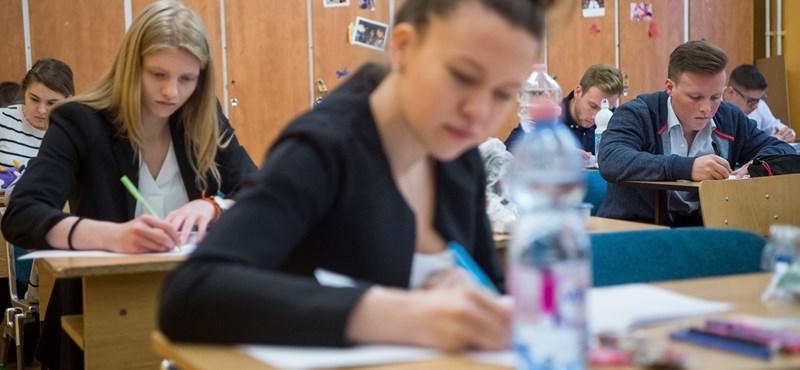 Emelt szinten érettségiztetek magyarból? Mutatjuk a hivatalos megoldókulcsot