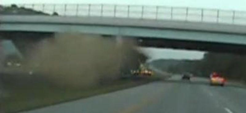 Hihetetlen baleset Ohióban - videó