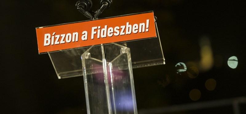 300 ezres MNB-alapítványi ösztöndíjban részesül a Fidesz kommunikációs végrehajtója (és a felesége)