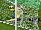 Csodagóllal nyertek a csehek – percről percre a foci-Eb-ről