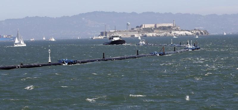Nekiálltak a Csendes-óceán kipucolásának, így működik az óceántakarító szerkezet