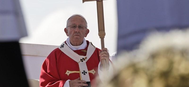 Nyit a melegek felé a katolikus egyház, de a pedofilügyben felemás eredmény született