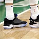 Közelebbről is megmutatjuk a cipőt, amelyhez hasonlót csak Marty McFly lábán láttunk eddig