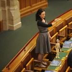 Tizenkét ellenzéki képviselőre sújt le ma Kövér szigora