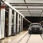 A magyar Audi után hamarosan a Mercedes-gyár is újraindul