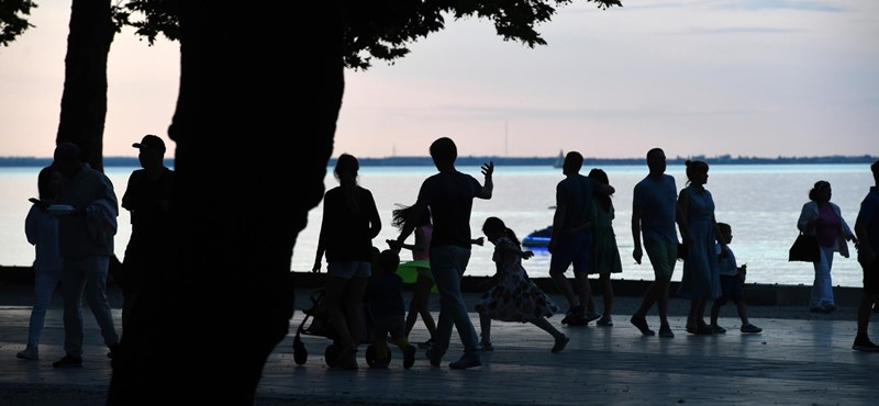 Elmeszelték az MSZP Balatont védő népszavazási kérdéseit