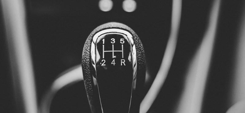 Eltűnőben vannak a kéziváltós autók Amerikában