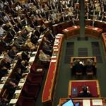 Az eváról és az áfáról dönthet hétfőn a parlament