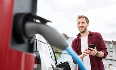 Vége az olcsó áramnak: mától dupla áron tölthetők a villanyautók a hazai E.ON töltőkön
