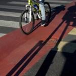 Zseniális megoldást találtak ki a kerékpárosok Torontóban, hogy ne veszélyeztessék őket az autósok