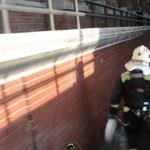 Videó: Miután 1200 embert kitereltek a Nagycsarnokból, ezt látták odabent a tűzoltók