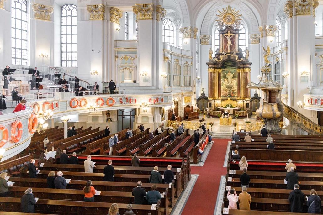 afp.21.04.04. húsvét vasárnap, mise, Hamburg