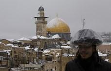 Erőszakosan imádkozni akaró palesztinokat vettek őrizetbe Jeruzsálemben
