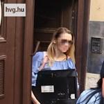 Egyetlen kérdésre sem válaszolt a börtönből kijövet Eva Rezesova – videó