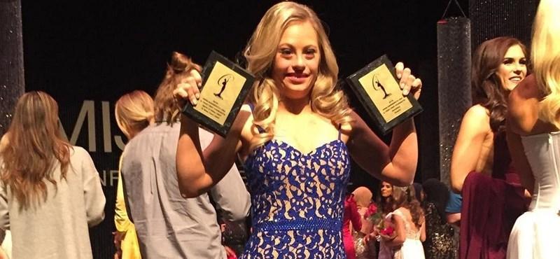 Felállva tapsolták a Miss Minnesota versenyen kitüntetett Down-szindrómás lányt